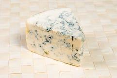 Blau-geformter Käse Lizenzfreie Stockbilder