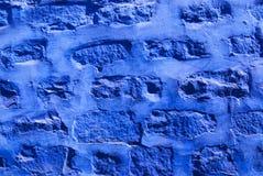 Blau gemalte Backsteinmauer in Jodhpur, Indien Lizenzfreie Stockfotos