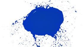 Blau lässt Rückgänge fallen und plätschert in der Zeitlupe klare Flüssigkeit stock footage