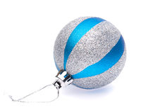 Blau-Silberweihnachtsball Stockbild