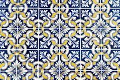 Blau und Gelb kopierte portugiesische Fliesen Lizenzfreie Stockbilder