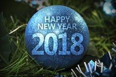Blau-Weihnachtsball des guten Rutsch ins Neue Jahr 2018 Lizenzfreie Stockbilder