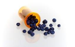 Blaubeeren als Alternativmedizin Stockfotos