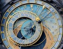 Blaue alte astronomische Uhr Prags Stockfotografie