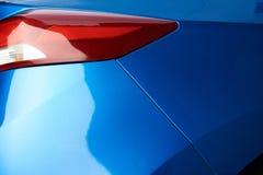 Blaue Autohintergrundbeleuchtung Stockfotos