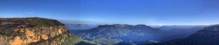 Blaue Berge lizenzfreie stockfotos