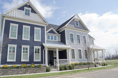 Blaue Cape- Codart-Häuser Stockbild
