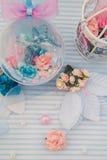 Blaue dekorative Kugel Lizenzfreie Stockfotos