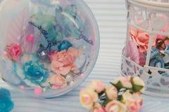 Blaue dekorative Kugel Stockfotos