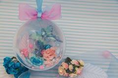 Blaue dekorative Kugel Lizenzfreie Stockbilder