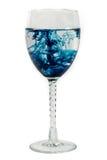 Blaue Diffusion in einem Glas Lizenzfreies Stockbild