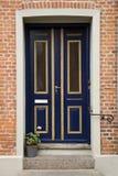 Blaue doppelte Tür Lizenzfreies Stockbild