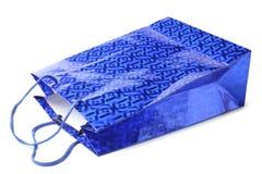 Blaue Einkaufspapiertüte lizenzfreies stockbild