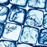 Blaue Eiswürfel Stockbild