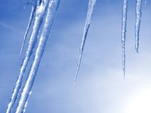 Blaue Eiszapfen Stockfotografie