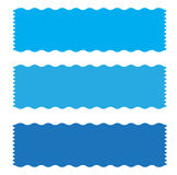 Blaue Fahnenbandikone auf weißem Hintergrund Stockfotografie