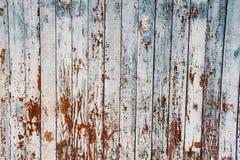 Blaue Farbe der alten Schale auf verwittertem Holz als ausführlichen SchmutzHintergrund Stockfotos