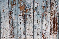 Blaue Farbe der alten Schale auf verwittertem Holz als ausführlichen SchmutzHintergrund Stockfoto
