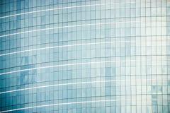 Blaue Fensterfassaden mit Vignettierungshintergrund Lizenzfreie Stockbilder