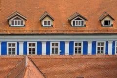 Blaue Fensterzeile Lizenzfreies Stockfoto