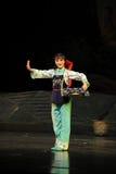 Blaue Frau Jiangxi-Oper erwähnen eine Laufgewichtswaage Lizenzfreie Stockfotografie