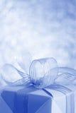Blaue Geschenkbox - Foto auf Lager Lizenzfreies Stockbild