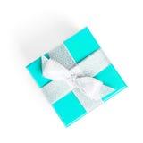 Blaue Geschenkbox mit silbernem Band Lizenzfreie Stockfotografie