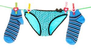 Blaue gestreifte Socken und Unterhosen Lizenzfreie Stockfotos