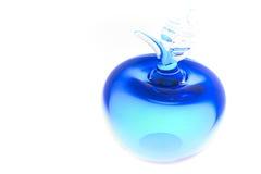 Blaue glas Apple stockbilder