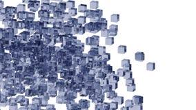 Blaue Glasblöcke nach dem Zufall in Position gebracht in Raum mit weißem Hintergrund stockbild