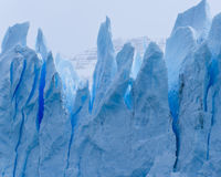 Blaue Gletscherspalte Stockfotografie