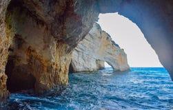 Blaue Höhlen von Zakynthos lizenzfreie stockfotografie