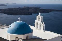 Blaue Hauben von Santorini Stockbild