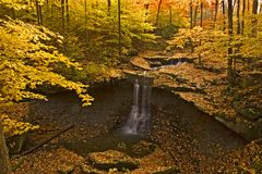 Blaue Henne-Fälle, Cuyahoga Tal-Nationalpark, Ohio, USA Lizenzfreie Stockfotografie