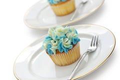 Blaue Hortensiakleine kuchen Stockbilder