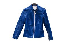 Blaue Jacke getrennt Lizenzfreies Stockfoto