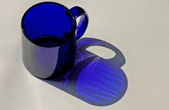 Blaue Kaffeetasse stockfotos