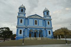 Blaue katholische Kirche Stockbilder