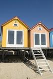 Blaue kleine Strand-Häuser Lizenzfreie Stockfotografie
