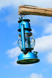 Blaue Laterne auf dem Himmel Lizenzfreie Stockbilder