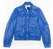 Blaue Lederjacke mit Reißverschluss Stockfoto