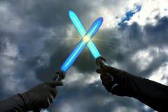 Blaue lightsabers lizenzfreies stockfoto