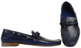 Blaue männliche Schuhe Lizenzfreie Stockfotografie