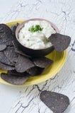 Blaue Mais-Tortilla-Chips Lizenzfreie Stockbilder