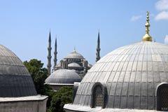 Blaue Moschee hinter Hagia Sofia Stockbilder