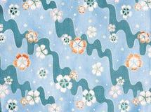 Blaue orientalische Gewebebeschaffenheit mit Kirschblüte-Blumen Lizenzfreies Stockfoto