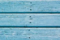 Blaue Plakettenwand der alten Scheune Strukturiert und den blauen Schmerz abziehend Lizenzfreies Stockbild