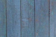 Blaue Plakettenwand der alten Scheune Strukturiert und den blauen Schmerz abziehend Lizenzfreie Stockbilder