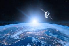 Blaue Planeten-Erde Raumfahrzeug-Produkteinführung in Raum stockfoto