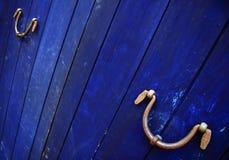 Blaue Planked Tür Stockfoto